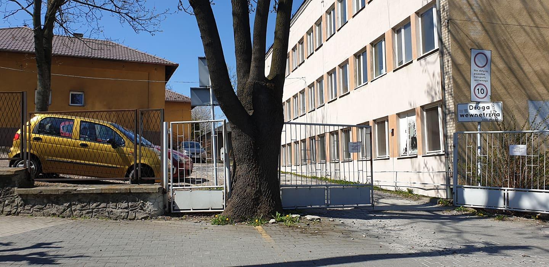 Nikt nie chce kupić poszpitalnych budynków w centrum Wadowic