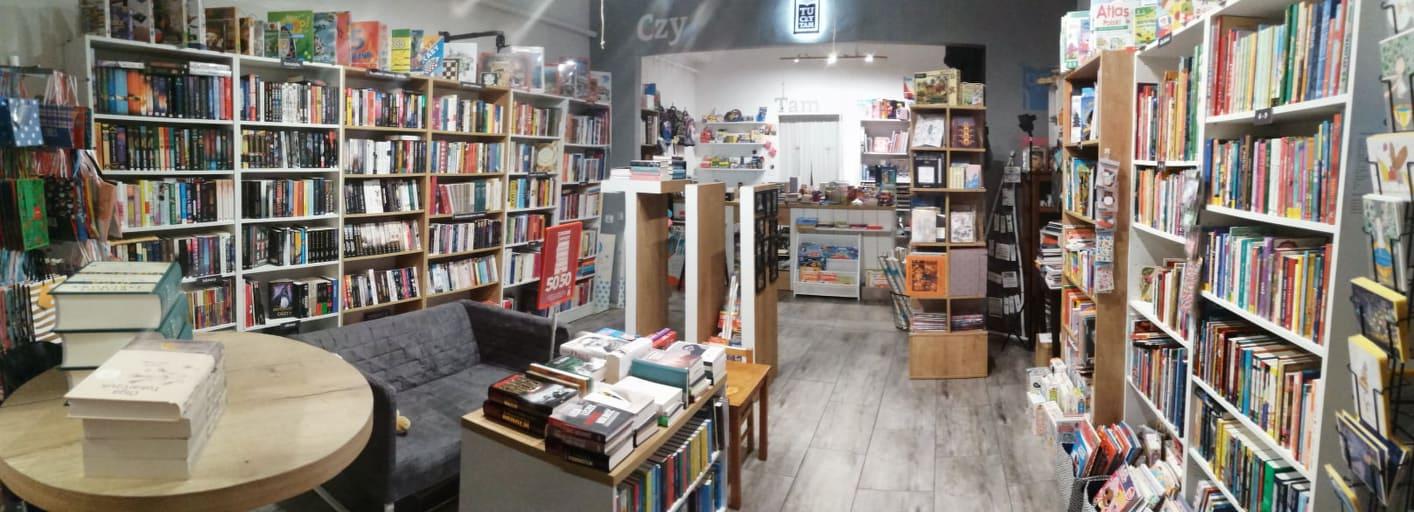 Grudniowe wieczory w Księgarni TuCzyTam Kęty