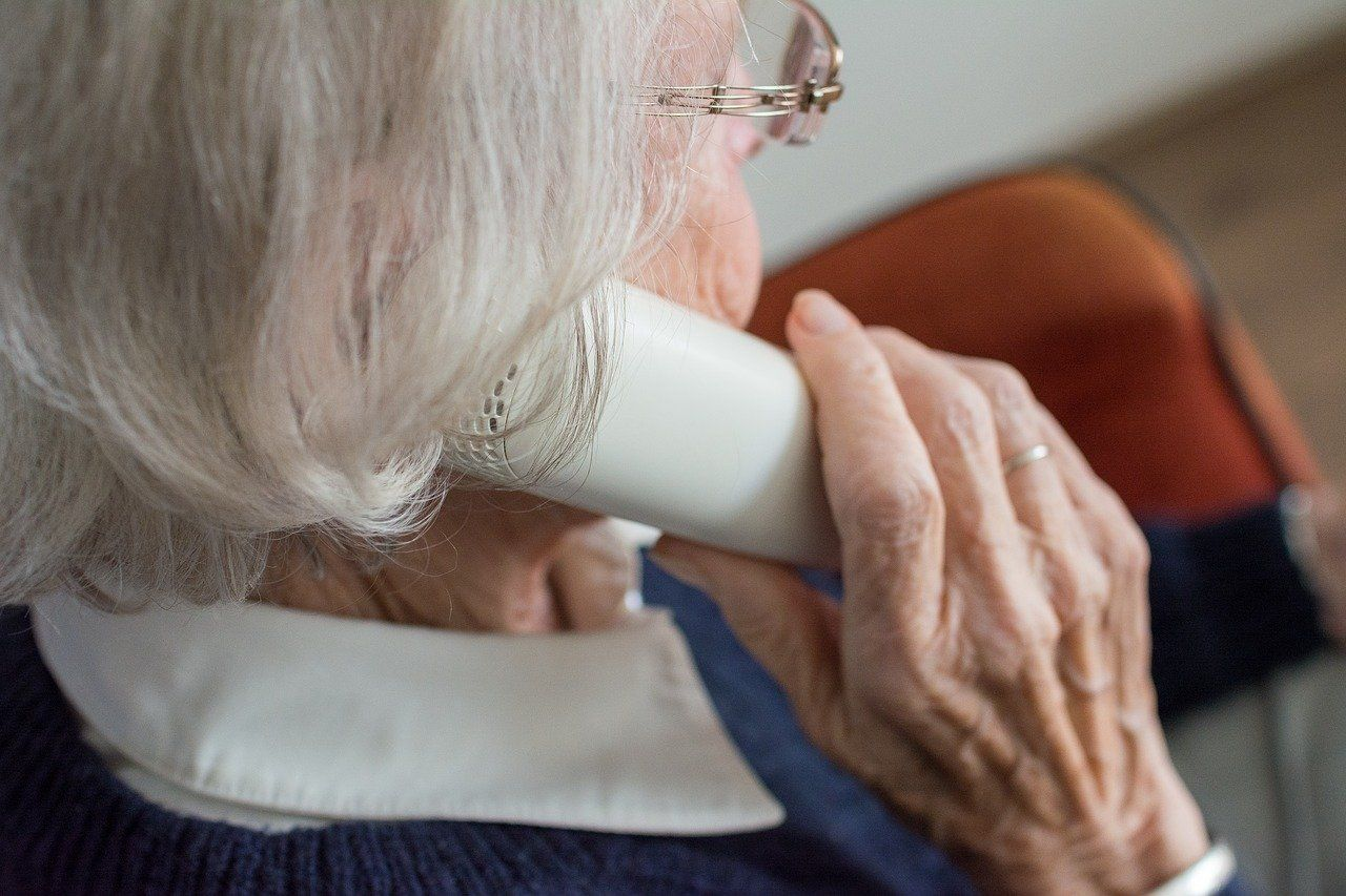 82-latka straciła mnóstwo pieniędzy. Dała się oszukać fałszywemu funkcjonariuszowi  CBŚ
