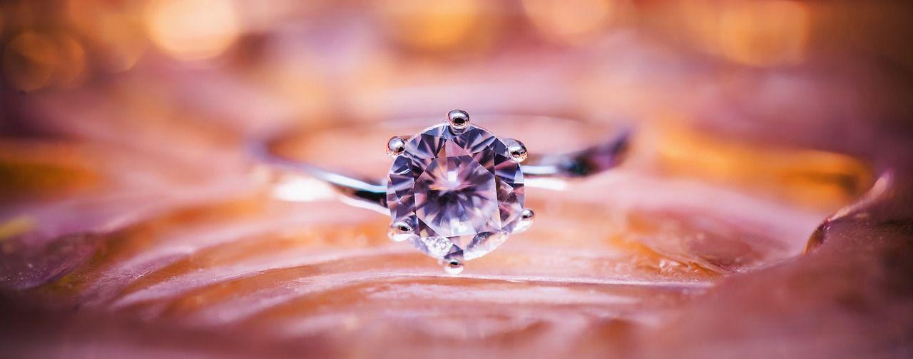 Czy znasz przesądy dotyczące pierścionków?