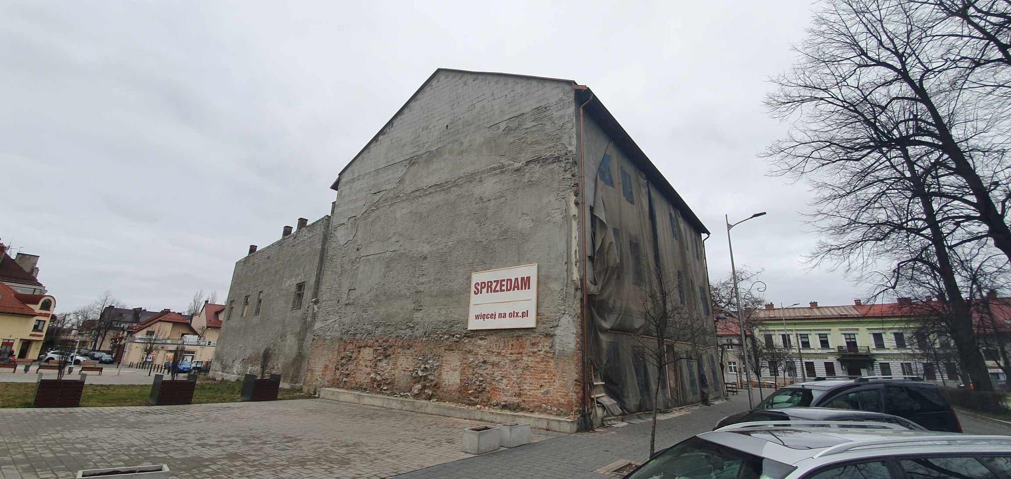 Kamienica w centrum Andrychowa na sprzedaż. Właściciel chce za nią 4, 9 mln zł
