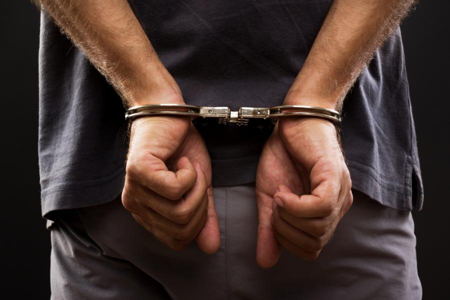 Poszukiwany 30-latek wpadł podczas kontroli drogowej. Trafił prosto do więzienia