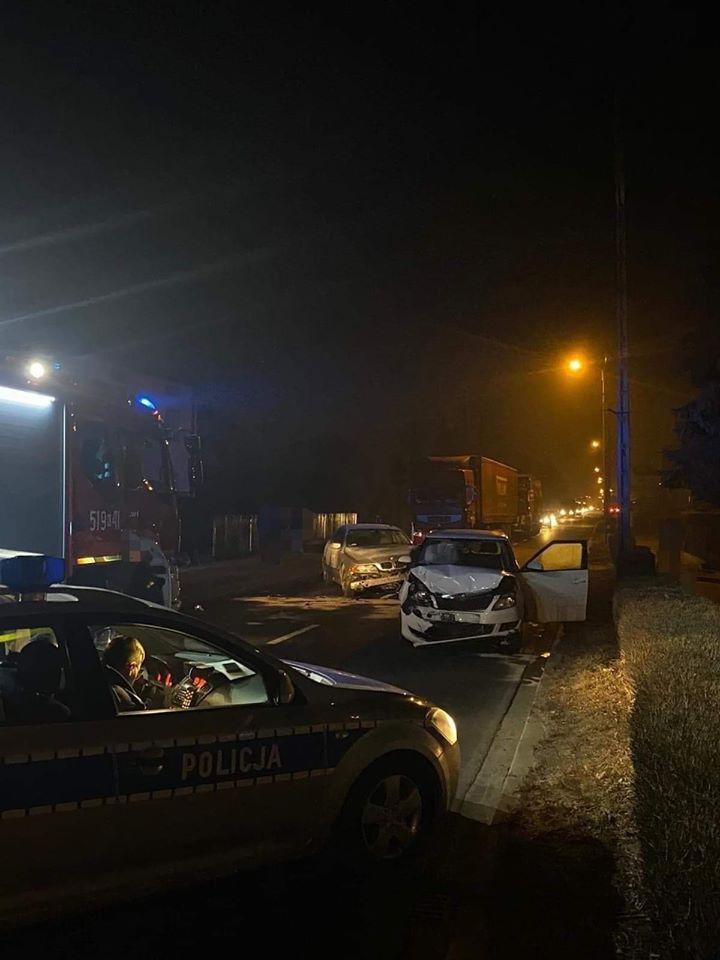 Wypadek na drodze krajowej nr 52 [FOTO] [AKTUALIZACJA]