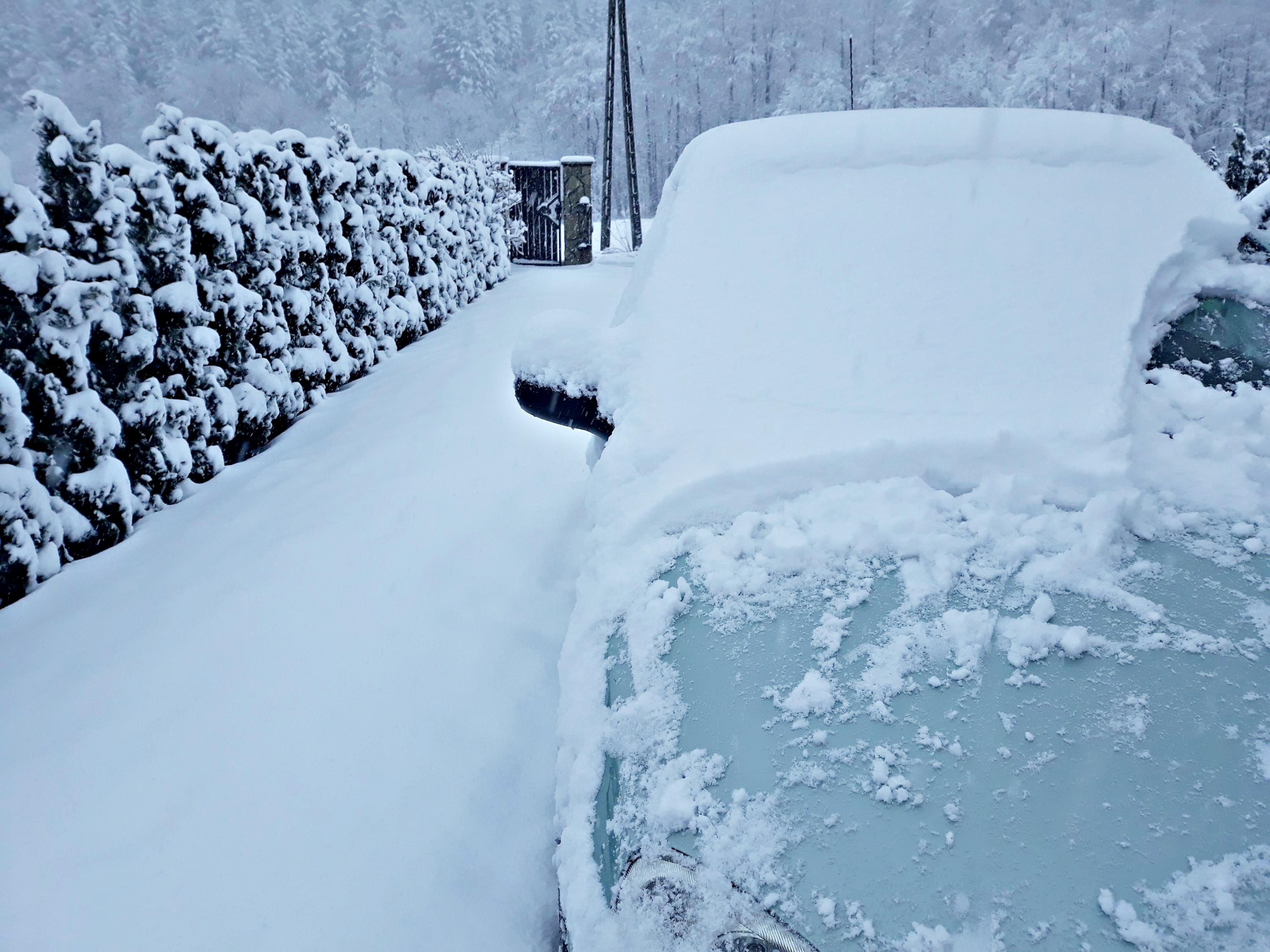 W niedzielę w końcu ma sypnąć śniegiem, a w poniedziałek bardzo wysokie ciśnienie