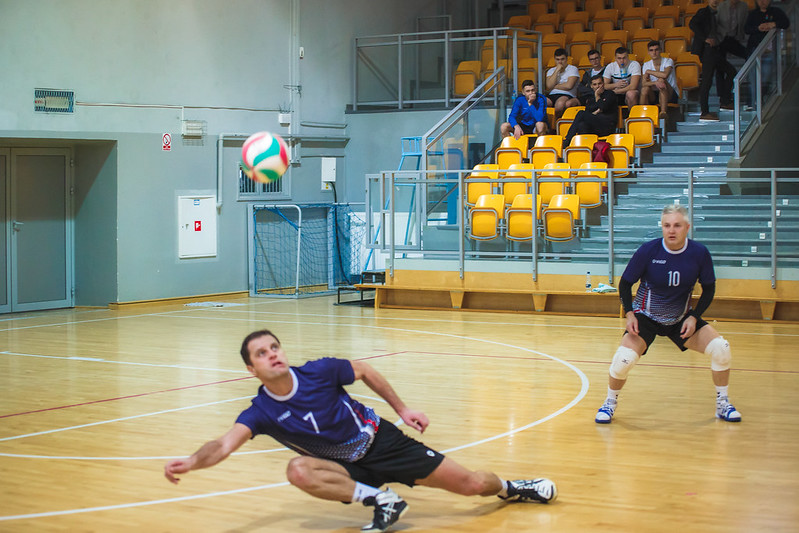 Turniej Siatkówki w Skawinie wygrywają Absolwenci z Andrychowa