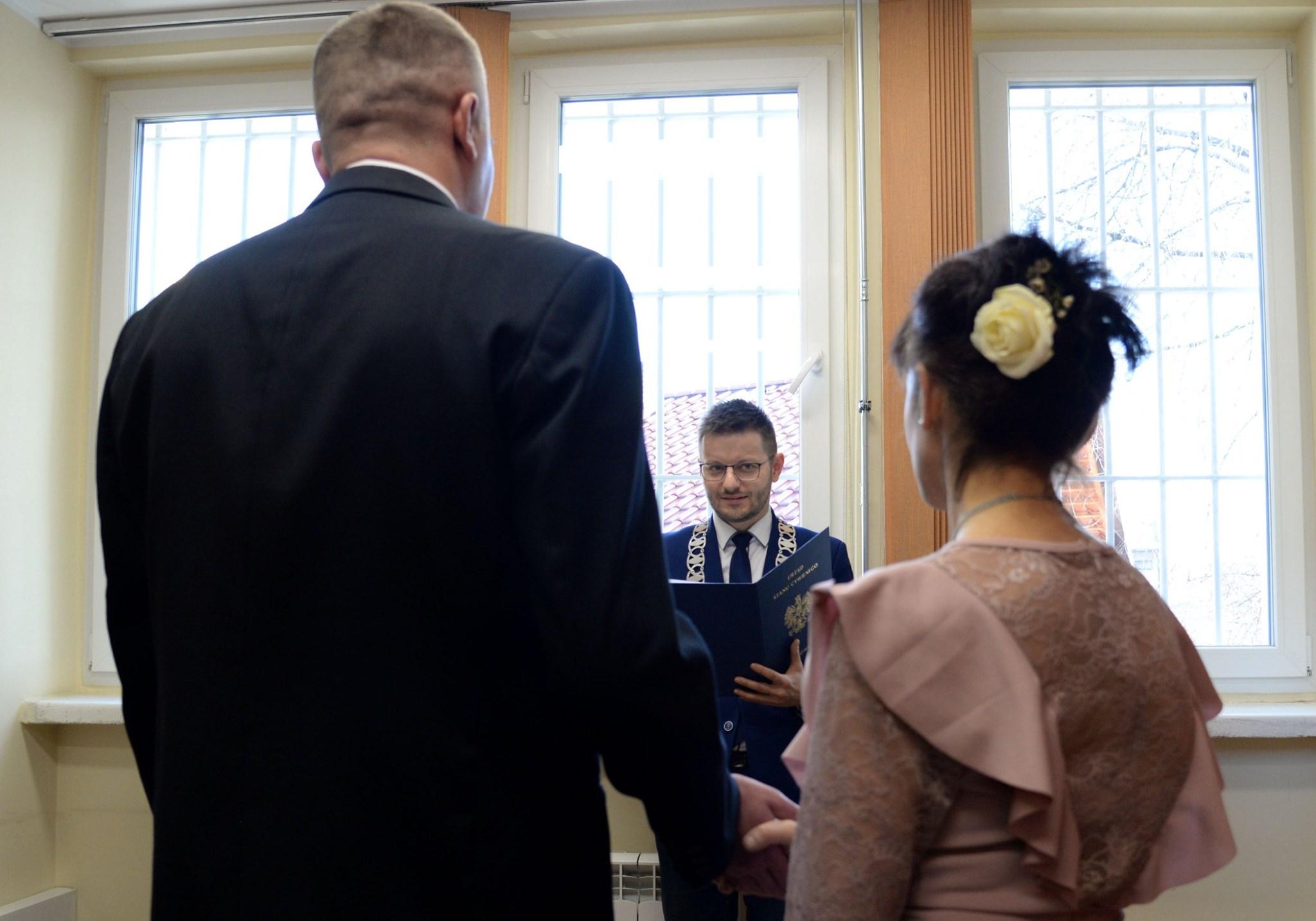 Nietypowa ceremonia. Ślub w zakładzie karnym w Wadowicach