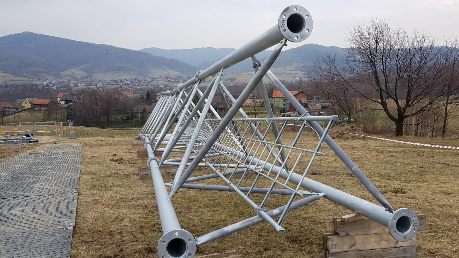 Mimo sprzeciwu mieszkańców ruszyła budowa nowego nadajnika