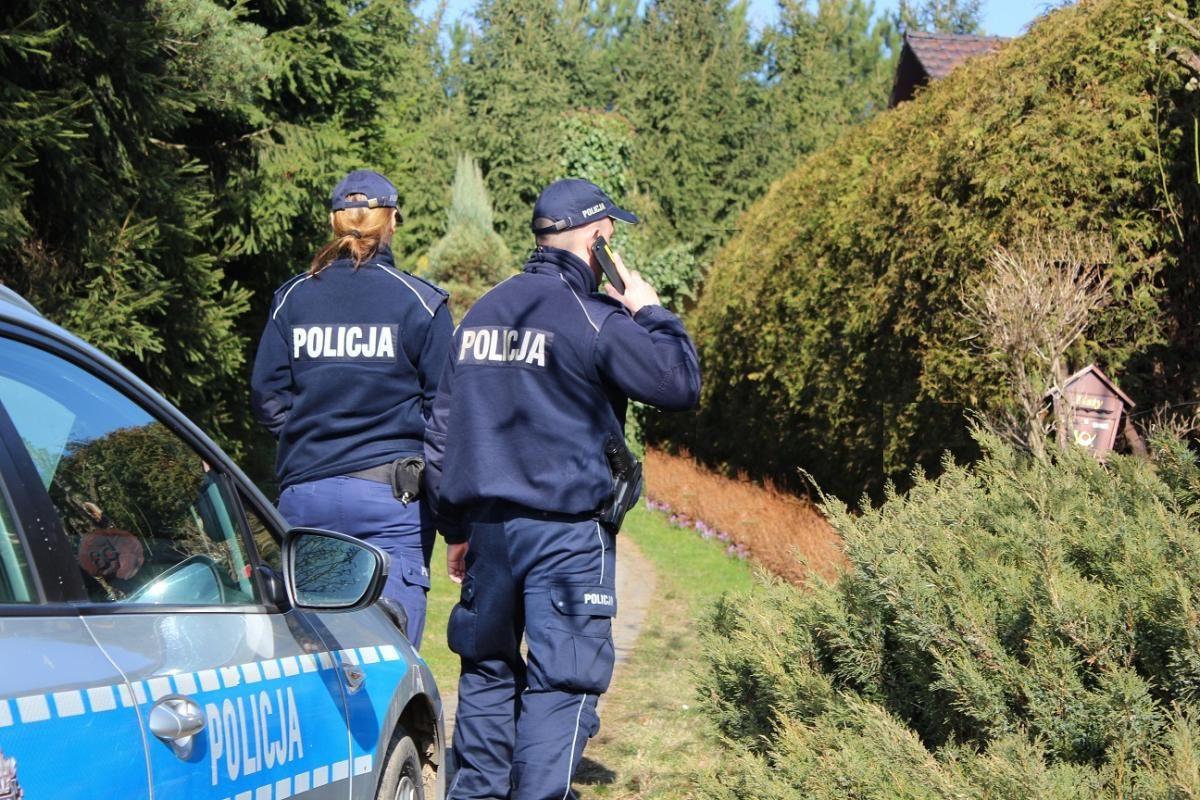 Mnóstwo zgłoszeń na policję, że ludzie łamią kwarantannę
