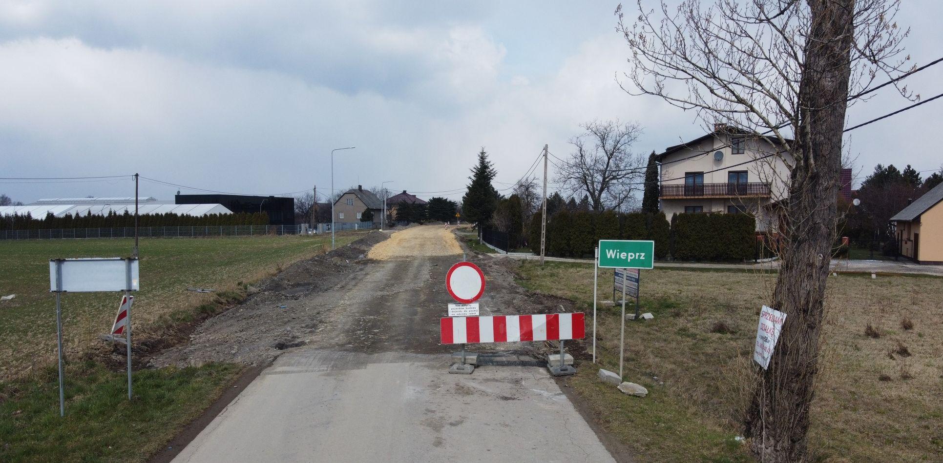 Remont Białej Drogi już na granicy z Andrychowem [VIDEO]