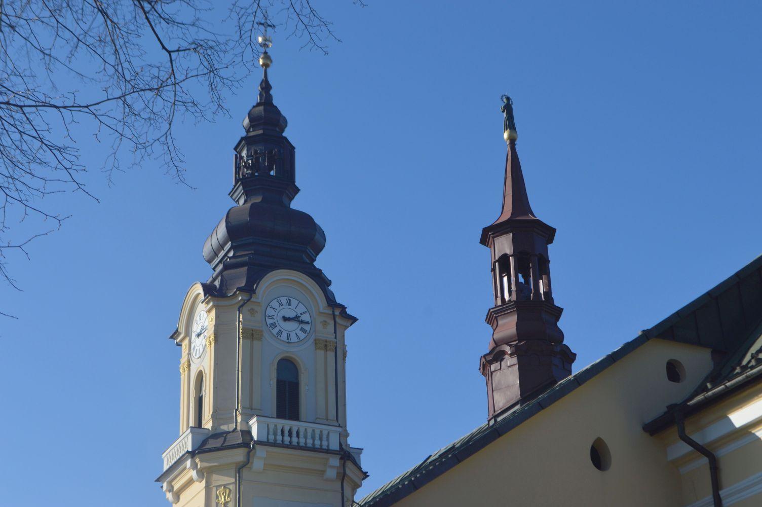 W Wielkanoc w południe proboszcz wyjdzie na wieżę kościoła i...