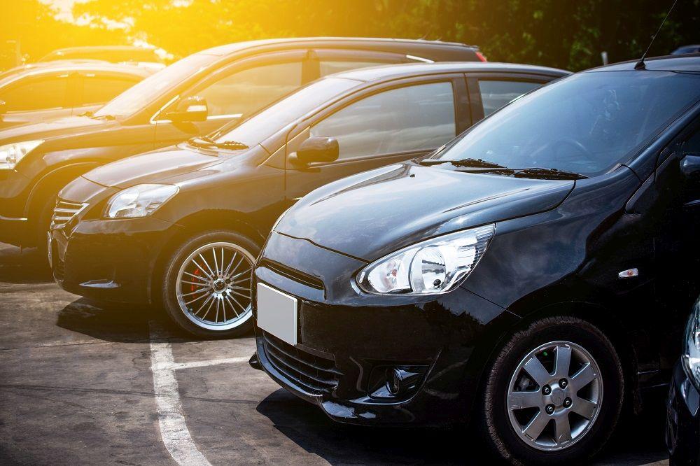 Dziura w jezdni a odszkodowanie – kto zapłaci za uszkodzenia auta?