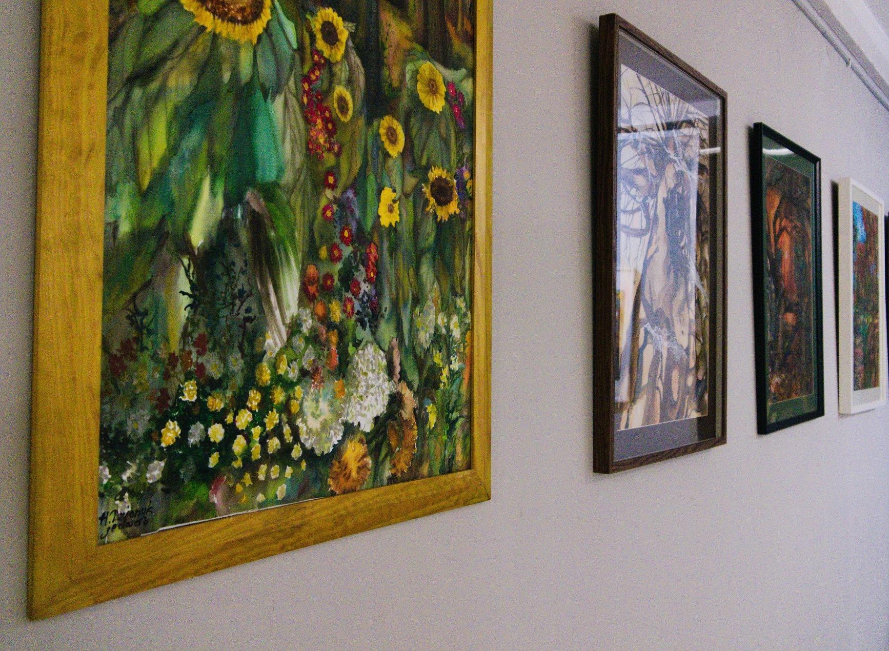 JEDWABISTOŚĆ DUSZY. Wystawa prac Heleny Dzionyk w Domu Kultury w Kętach