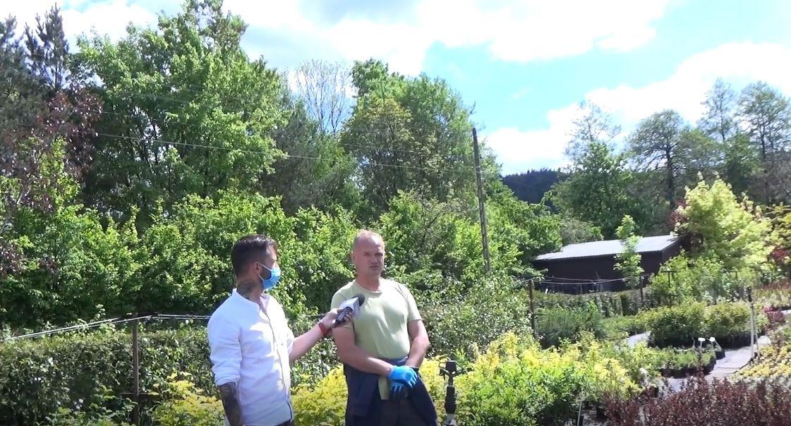 Z kamerą w Szkółce Krzewów Ozdobnych STUS w Targanicach