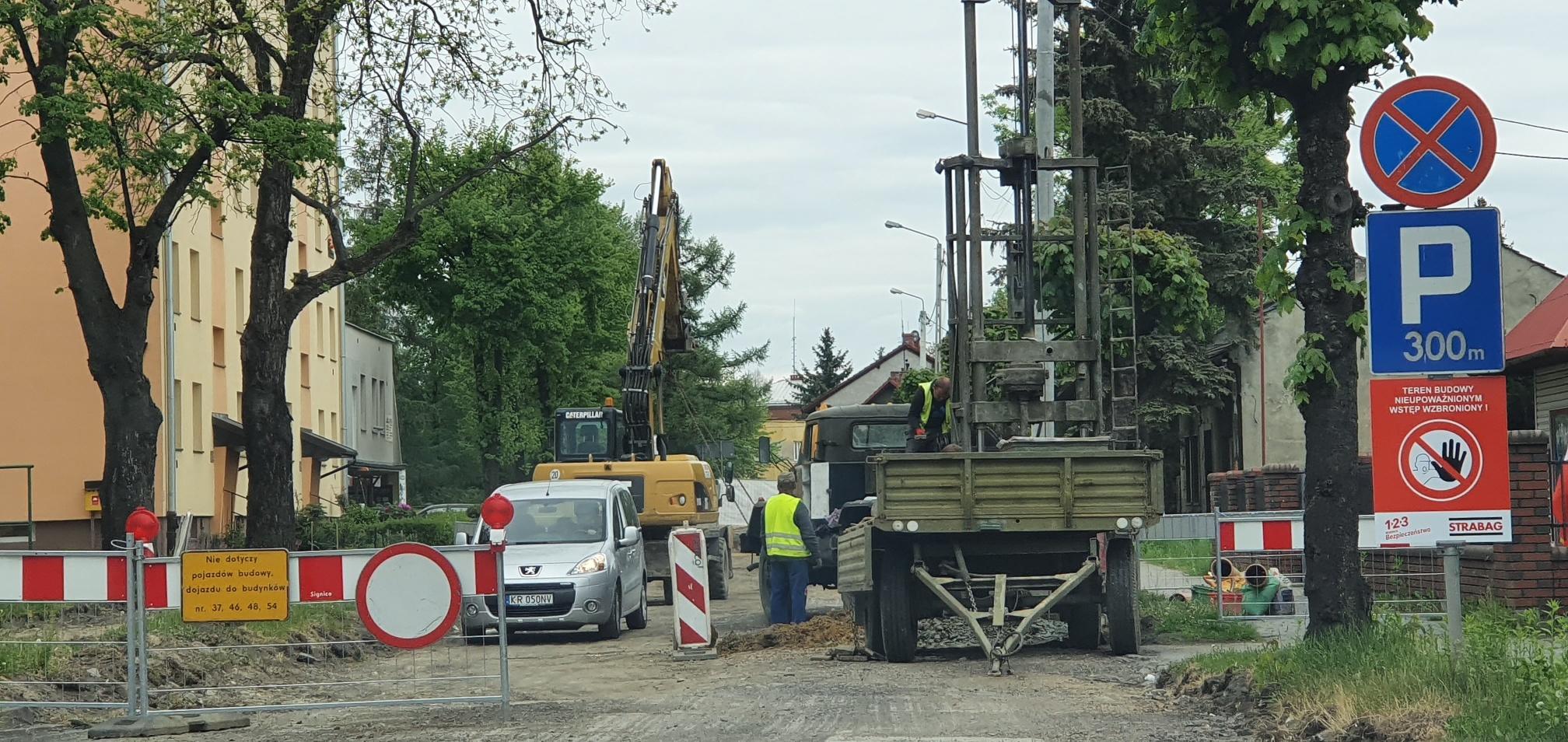 Od poniedziałku kolejne utrudnienia na remontowanej ulicy. Plan objazdów