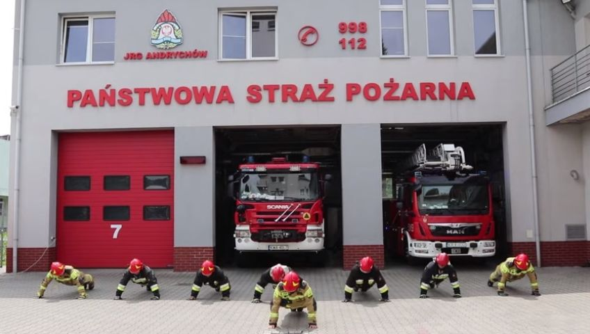 Najbardziej wysportowana służba w Andrychowie przyłączyła się do Gaszyn Challenge [VIDEO]
