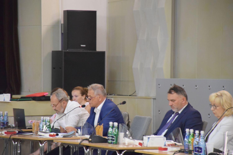 Burmistrz do radnego: żadne premie nie zostały wypłacone w czasie pandemii