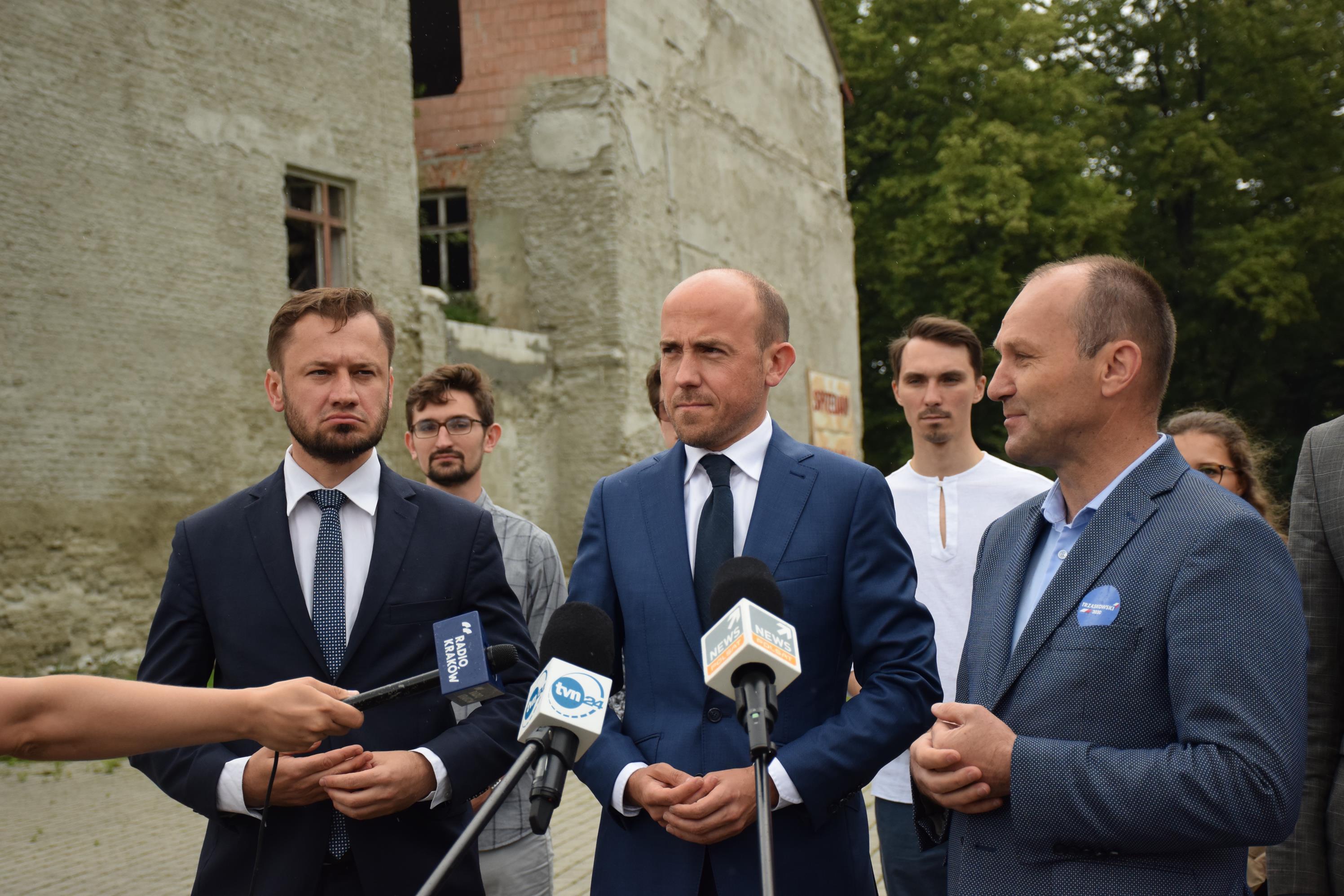 Borys Budka w Andrychowie przekonywał do głosowania na R. Trzaskowskiego