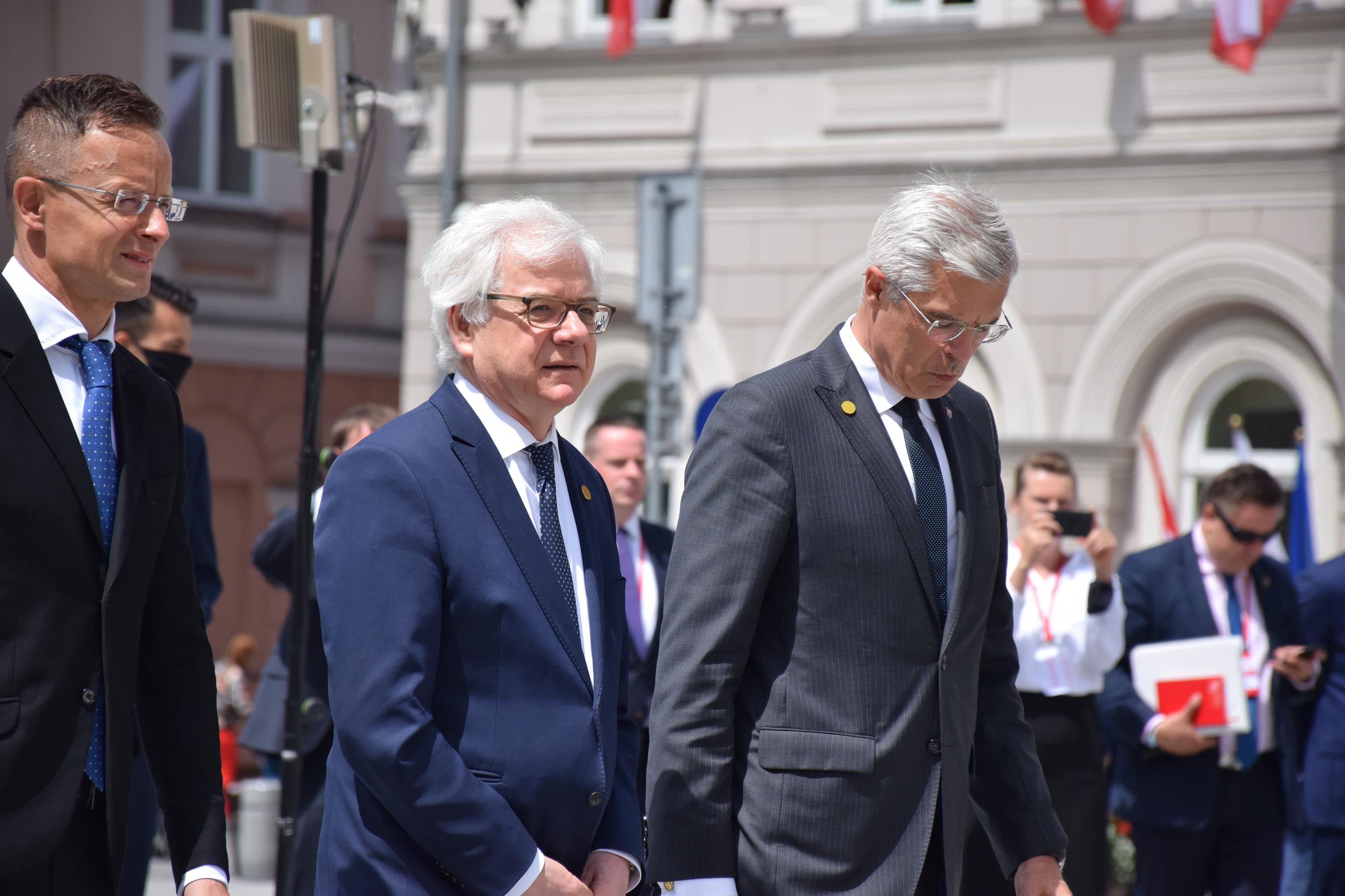 Ministrowie czterech państw Grupy Wyszehradzkiej w Wadowicach. Co ustalili? [FOTO] [AKTUALIZACJA]