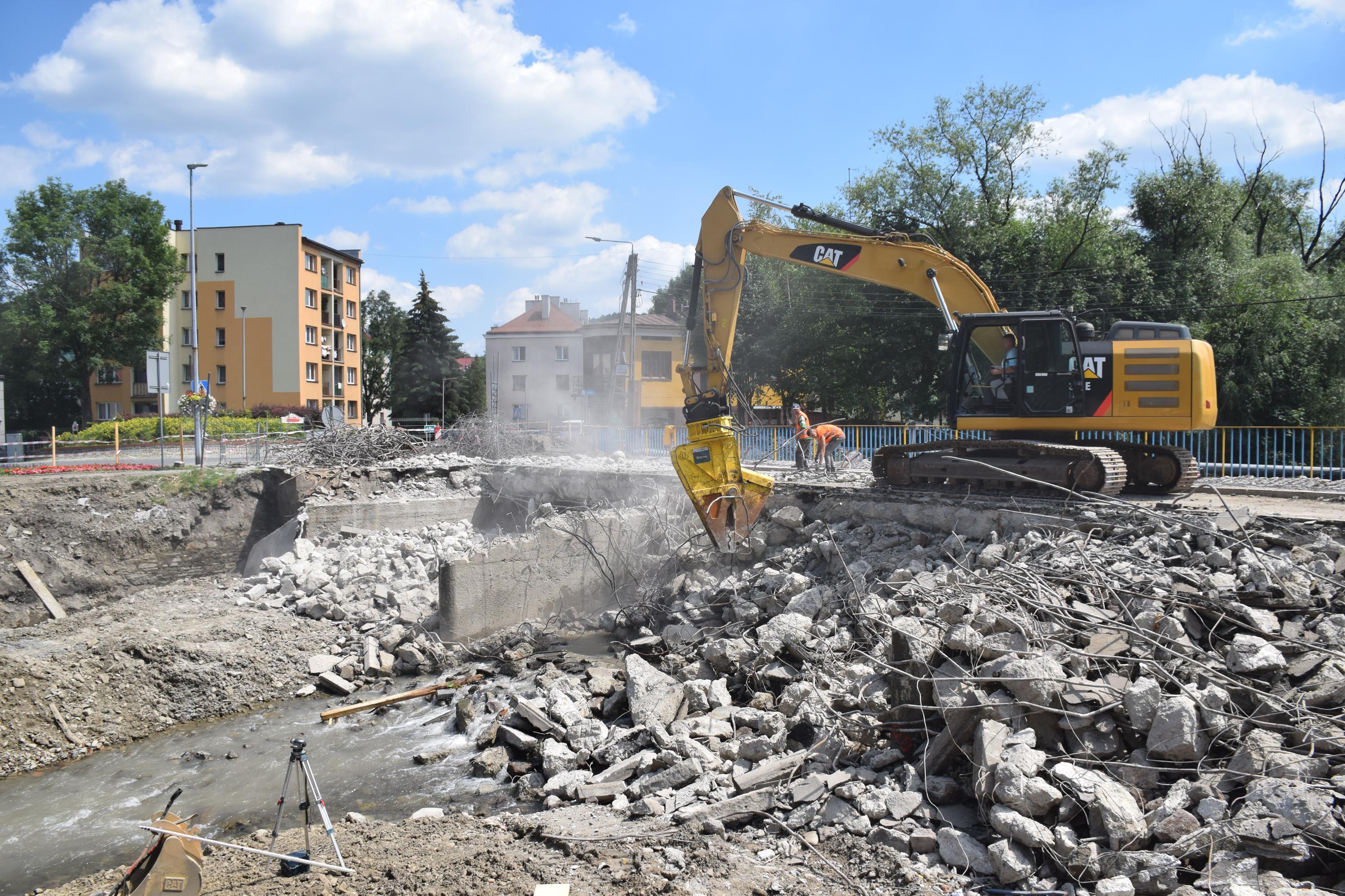 Historyczne zdjęcia z rozbiórki mostu [FOTO]