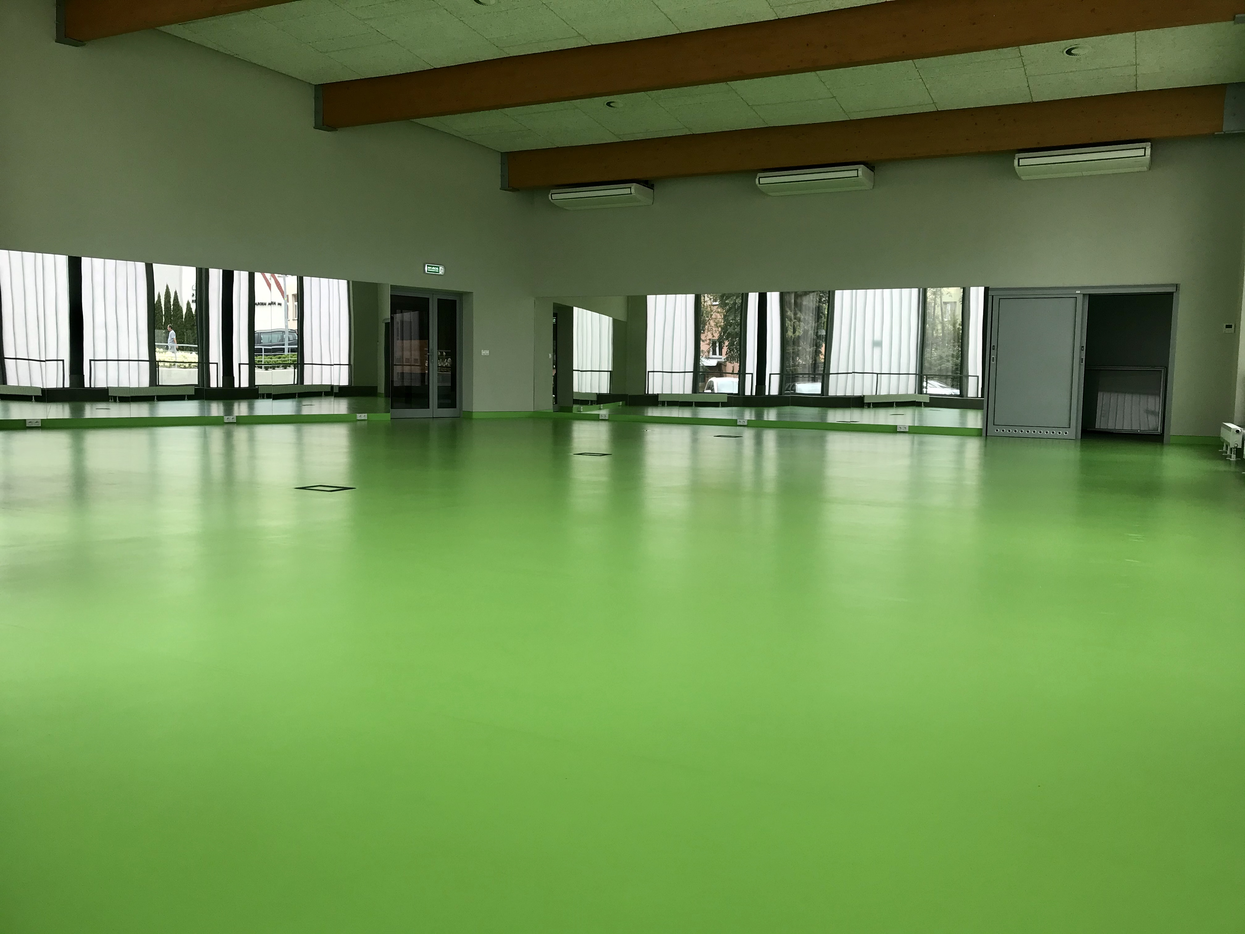Sala fitness na basenie do wynajęcia