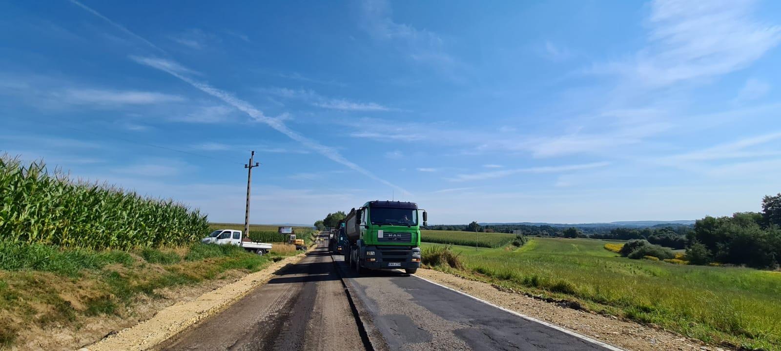 Utrudnienia na drodze Andrychów - Zator. Rozpoczął się remont [FOTO]