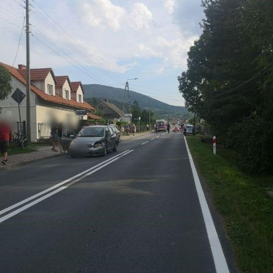 Tragiczny wypadek na Beskidzkiej. Nie żyje motocyklista [FOTO] [AKTUALIZACJA]