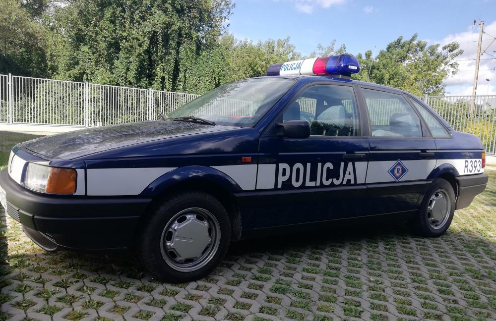 Fałszywi policjanci zatrzymani przez prawdziwych. Jeździli takim samochodem