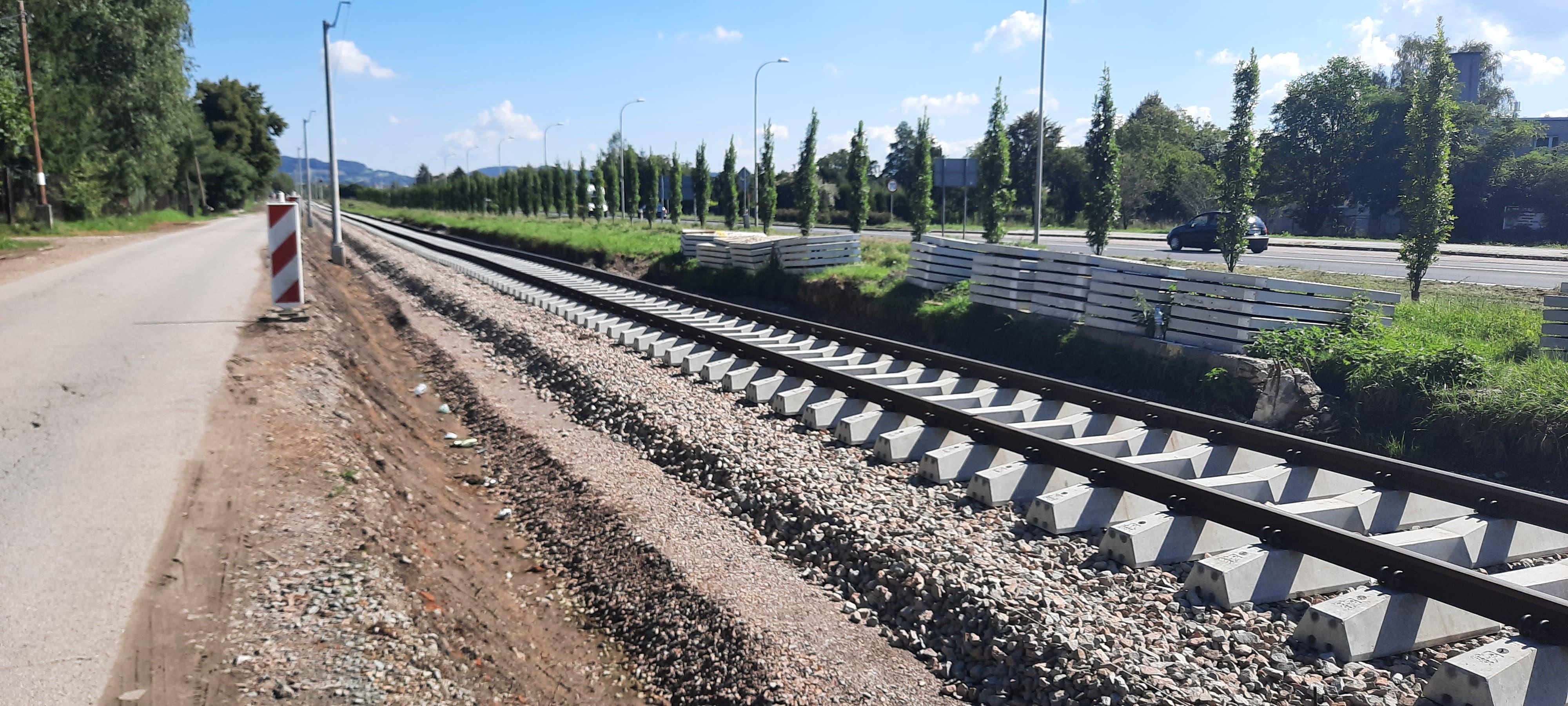 Linia 117 w trakcie budowy. Tory częściowo położone [VIDEO]