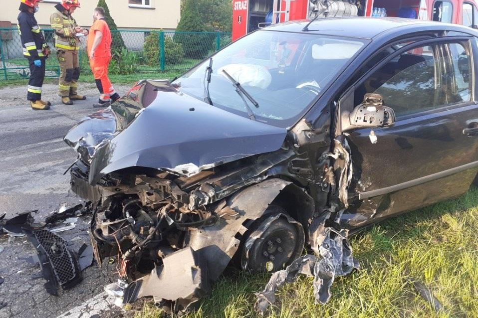Poważny wypadek. 19-latek zasnął za kierownicą