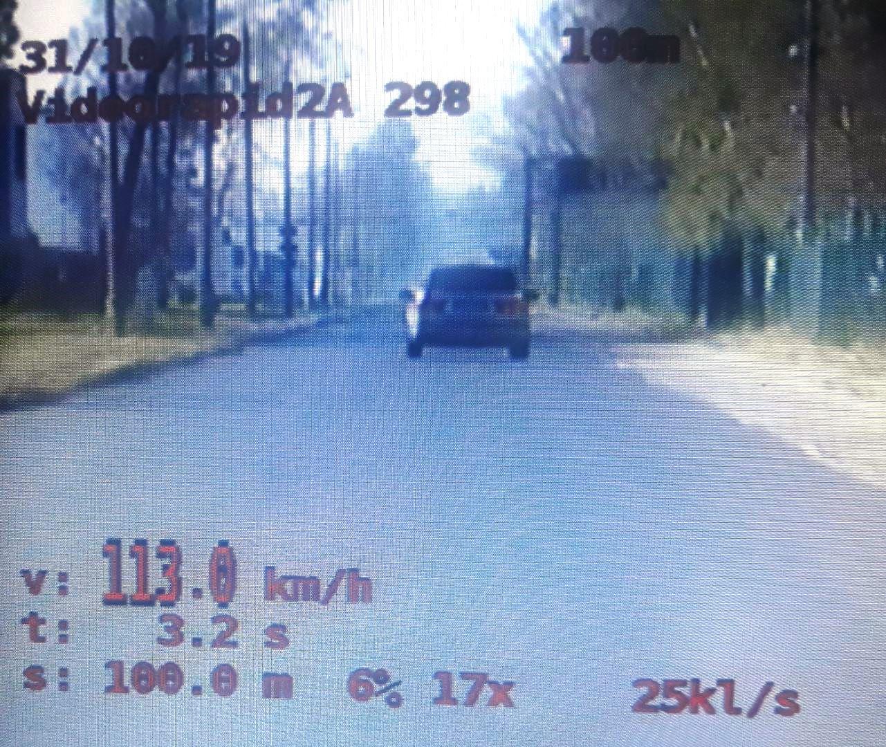 Dwóch młodych kierowców z powiatu wadowickiego straciło prawo jazdy za zbyt brawurową jazdę