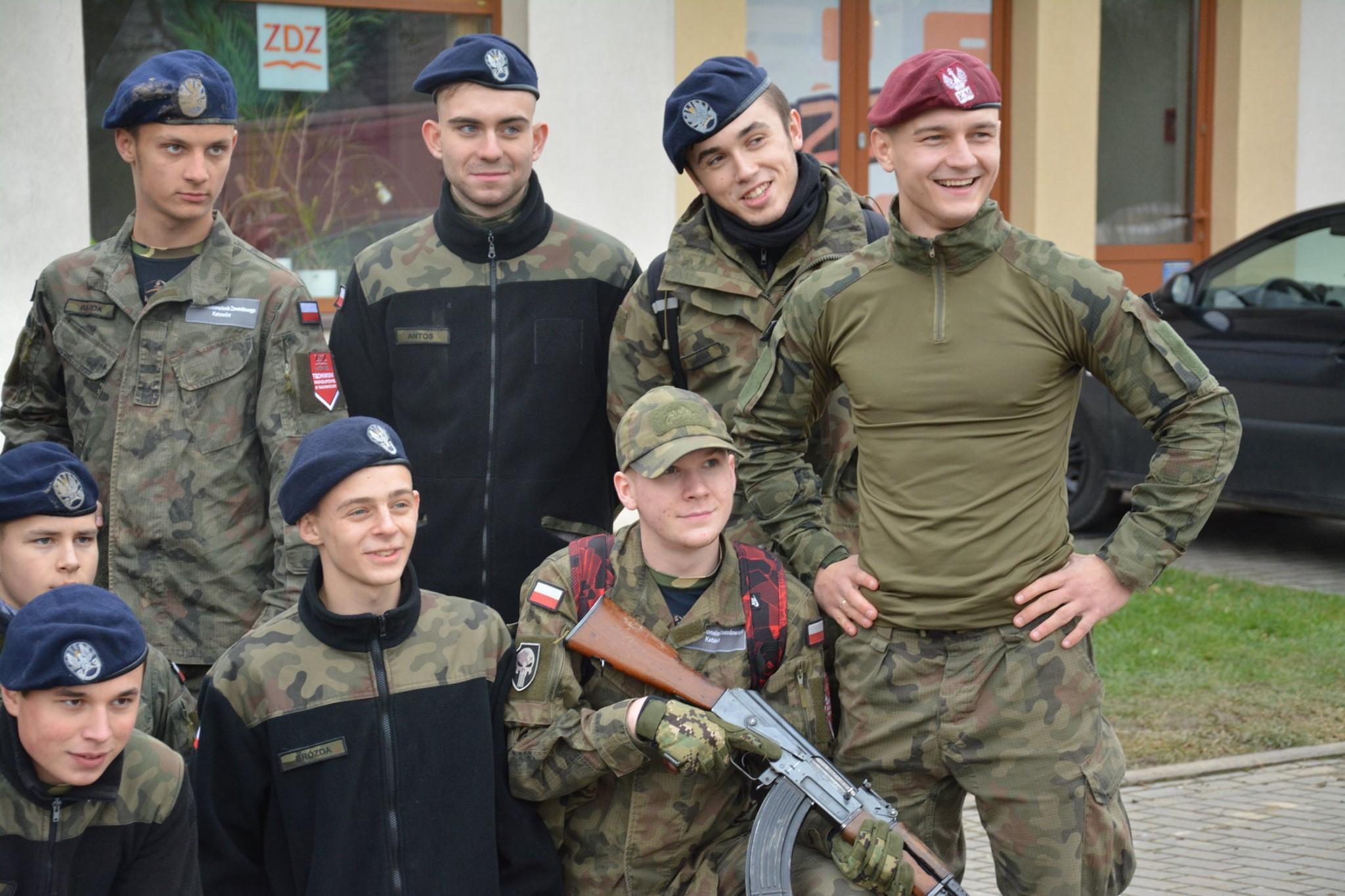 Oddziały Przygotowania Wojskowego w szkołach ZDZ. Pozumienie z MON podpisane