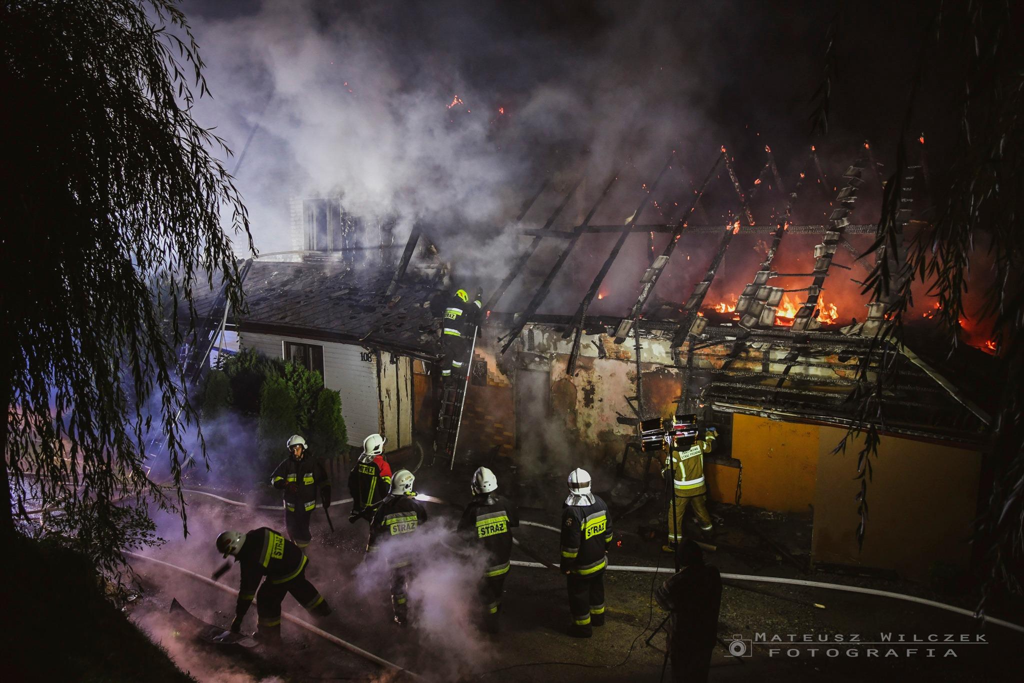 Seria nocnych pożarów budynków