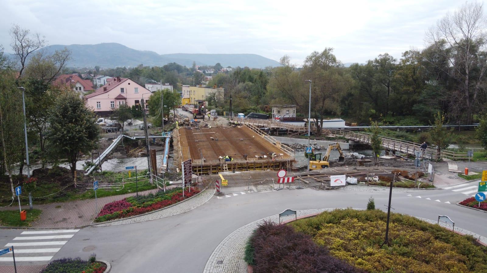 Sprawdzamy co słychać na budowie nowego mostu w Andrychowie