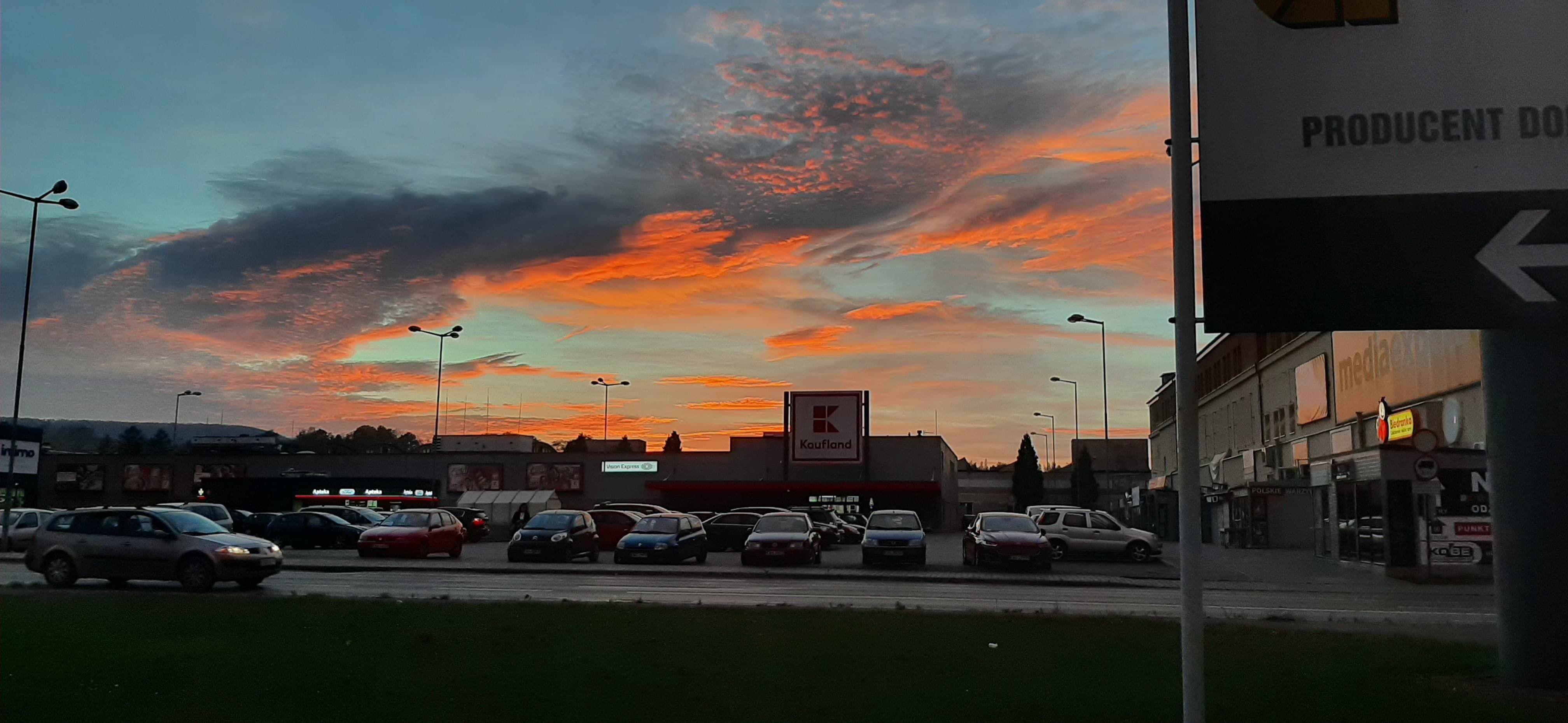 Piękny zachód słońca nad Andrychowem [FOTO]