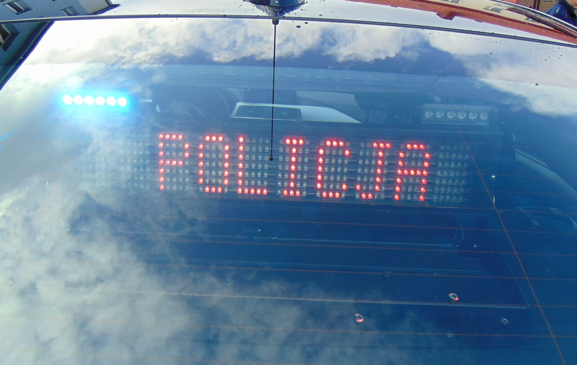 Sprawca wykroczenia próbował przekupić policjantów z grupy Speed