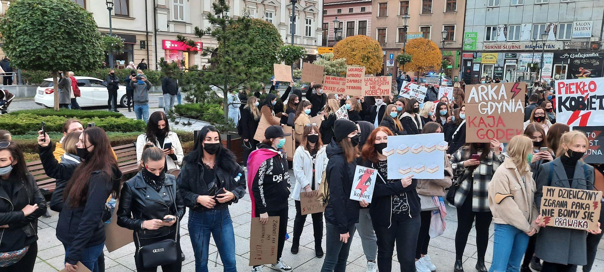 W piątek i sobotę szykuje się kolejna fala protestów w kraju i w regionie