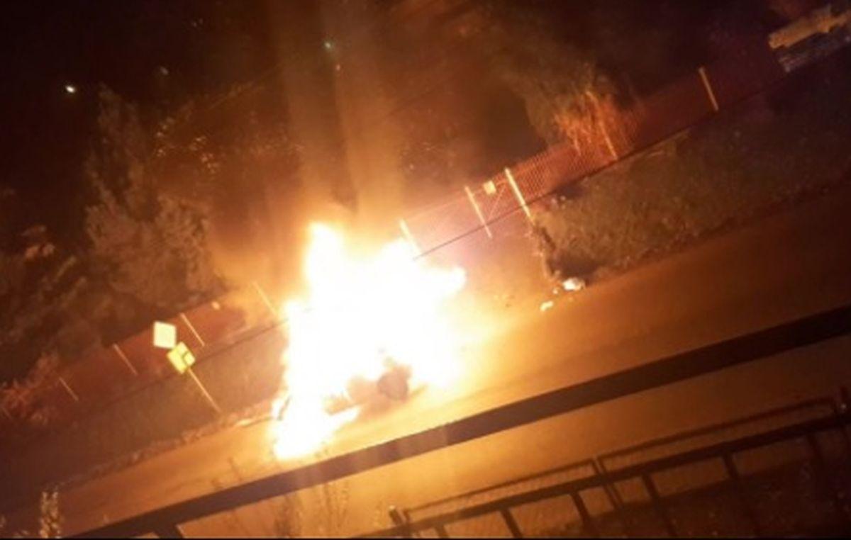 Auto poszło z dymem, nikomu nic się nie stało
