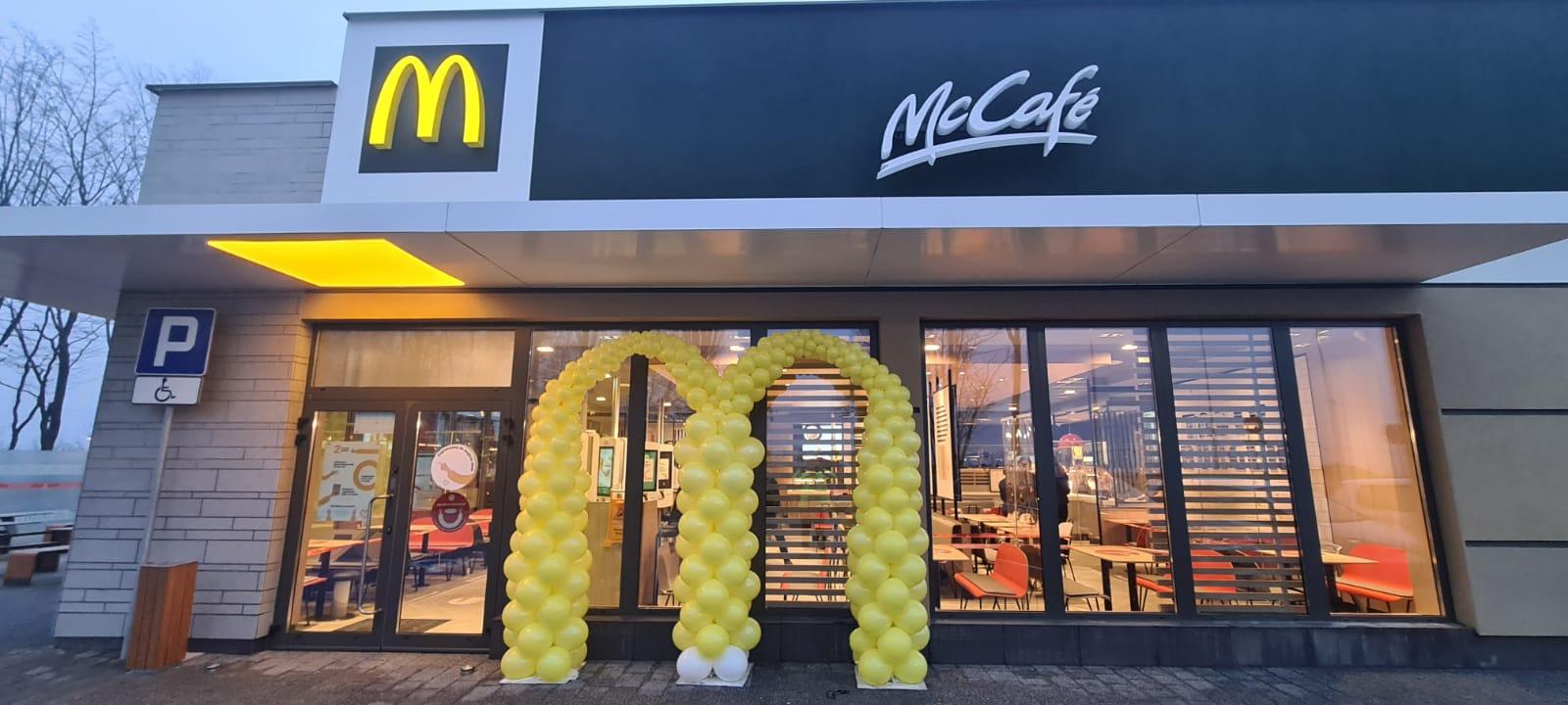 Od rana McDonald's w Andrychowie już kusi klientów [FOTO]