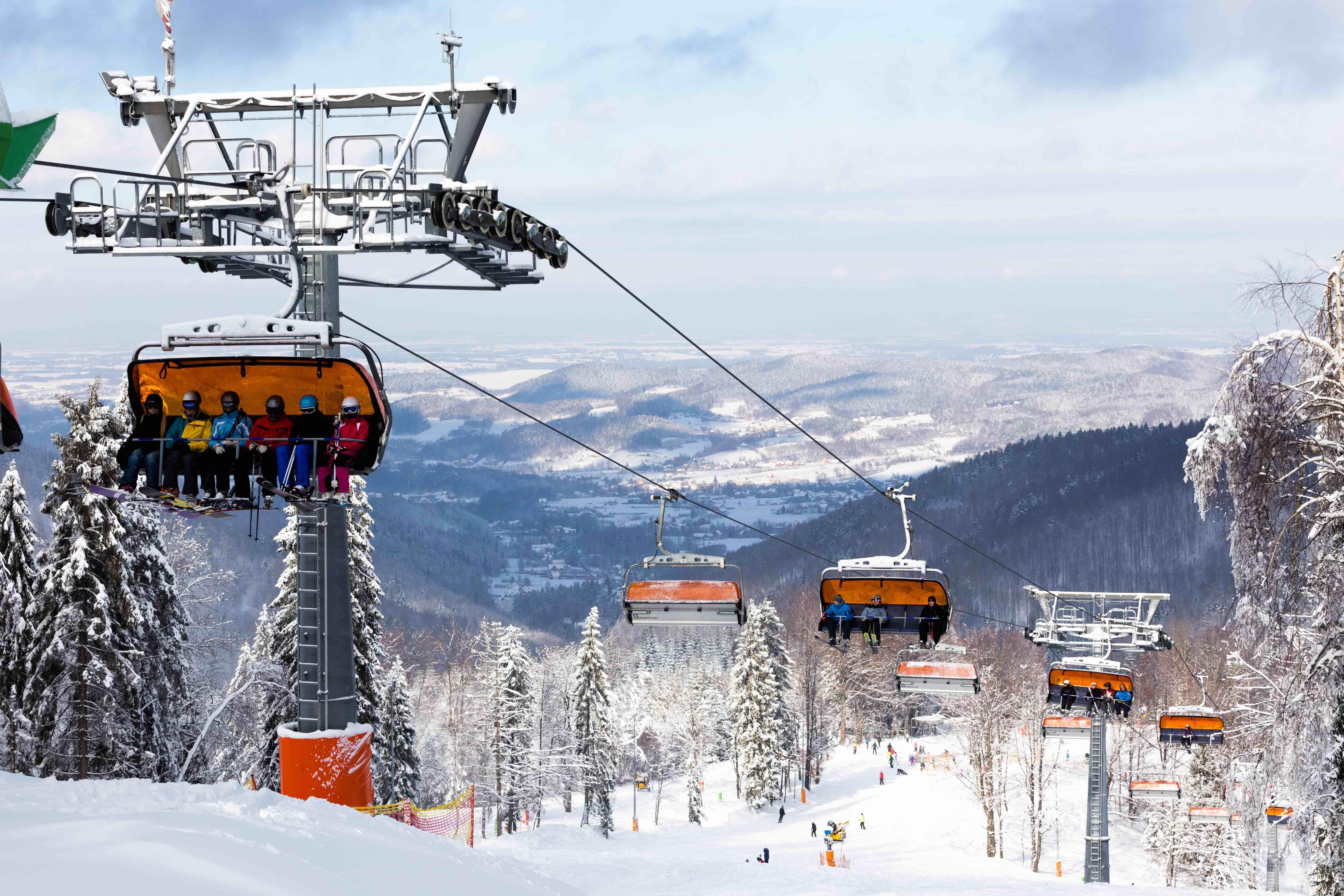 Rusza nowy sezon narciarski na Czarnym Groniu. Z pewnymi ograniczeniami [AKTUALIZACJA]