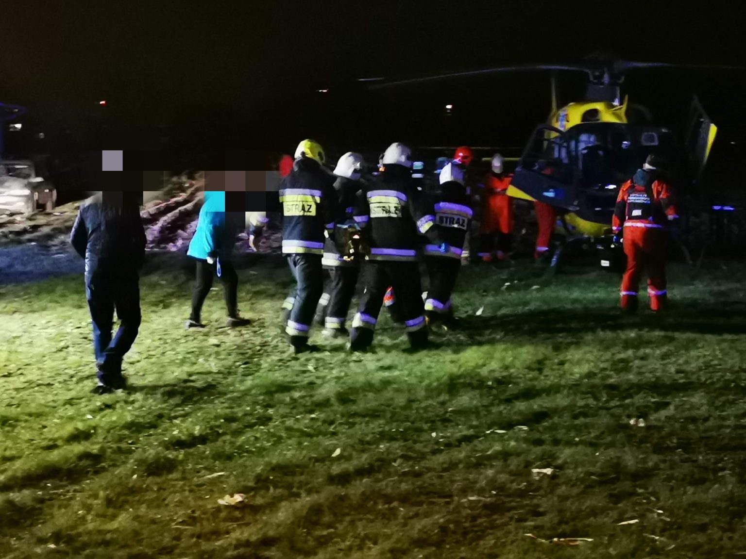 Mężczyzna spadł z rusztowania. Służby ratownicze w akcji