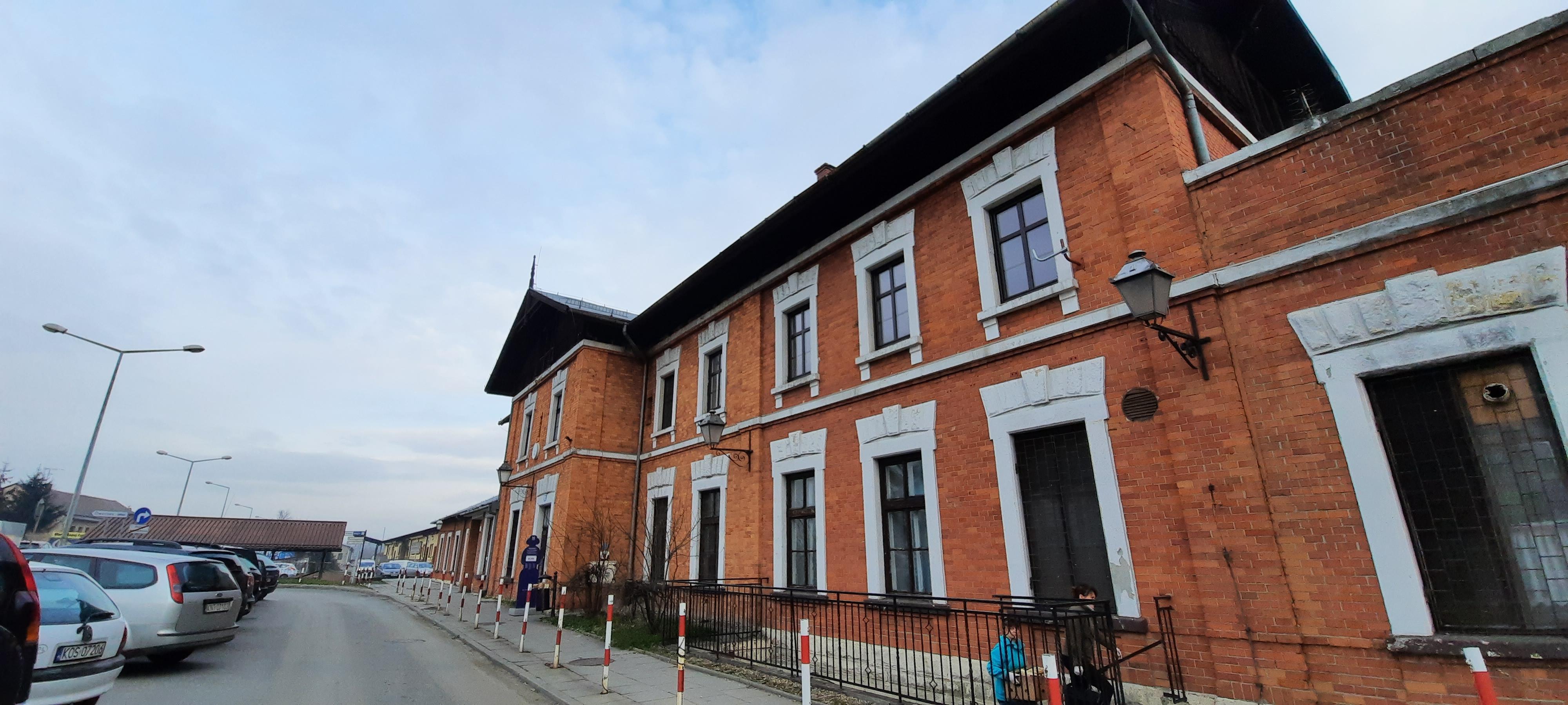Firma ze Skawiny przebuduje dworzec PKP w Wadowicach. Będzie