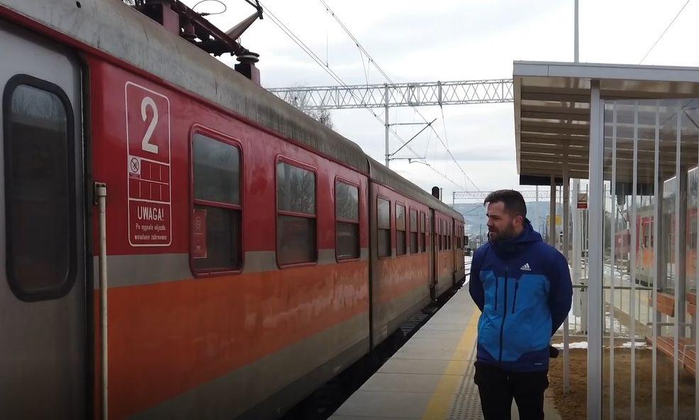 Jedziemy pociągiem wyremontowaną trasą Andrychów - Wadowice. Jakie wrażenia? [VIDEO]