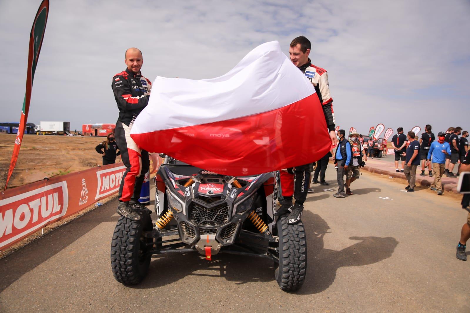Sukces debiutantów - Energylandia Rally Team w pierwszej dziesiątce na mecie Rajdu Dakar! [FOTO]