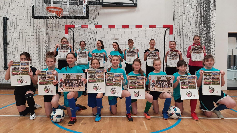 Dziewczyny dla Eweliny – wyjątkowy kalendarz piłkarek z Barwałdu