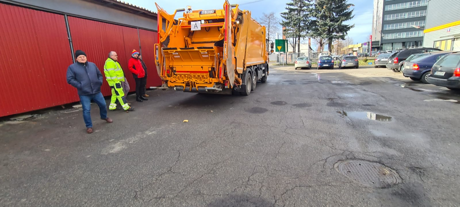 Nowa śmieciarka na andrychowskich ulicach [FOTO]