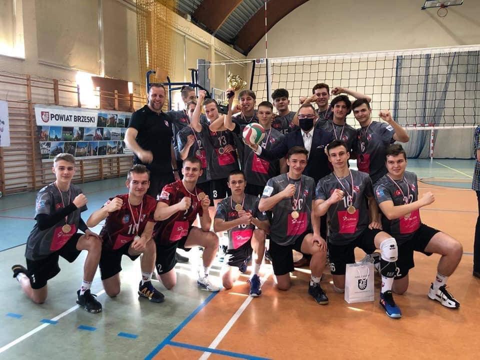 Sukces młodych siatkarzy z Kęt i Andrychowa. Wrócili z medalami