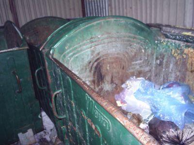 Komax wywiezie śmieci, czyli zostaje po staremu