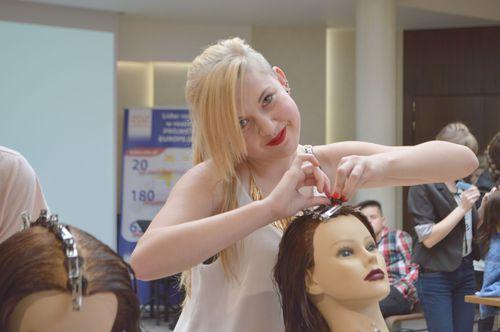 Młodzi fryzjerzy walczą w międzynarodowym konkursie [FOTO]